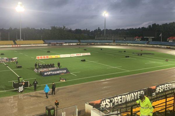 FIM Speedway Grand Prix v Praze odložena na neděli